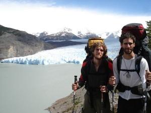 Xuxa e eu com o Glaciar Grey no fundo